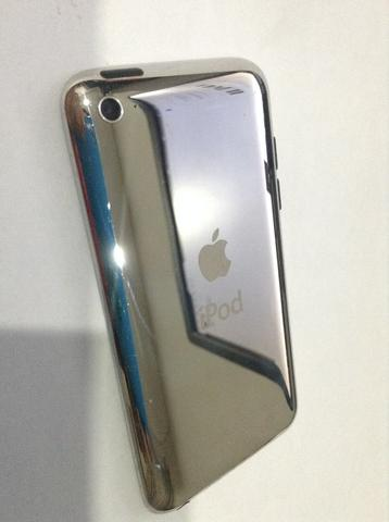 Apple iPod Touch 4th Generation 8GB bekas kondisi 98% istimewa