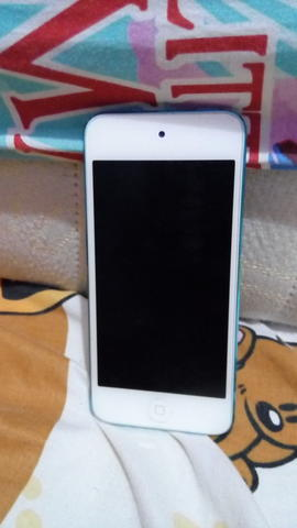 iPod Touch 5th Gen. 32gb (Blue)