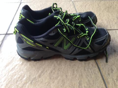 FS Trail Running Shoes New Balance 610
