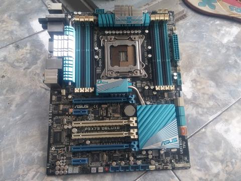 i7 3820 X79 ASUS P9X79 Deluxe (rusak) and Corsair H100 mounting LGA 2011 only