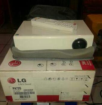 LG mini Projector proyektor HOME THEATER PA72G kecil cabe rawit BU
