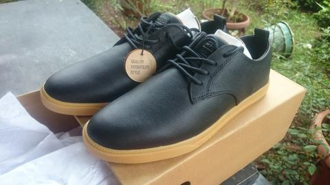 JUAL SEPATU CLAE ELLINGTON BLACK LEATHER GUM SOLE BNIB(NOT ADIDAS SAMBA, VANS)