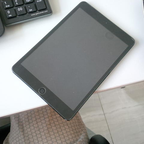 Jual ipad mini 32Gb black / ipad mini 1 . Murah meriang .. Batangan