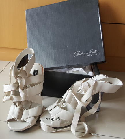 CHARLES&KEITH LIMITED EDITION HIGHHEELS PLATFORM OPEN TOE