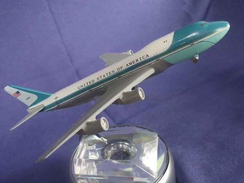 Die Cast Pesawat Air Forces One USA .scale 1:400