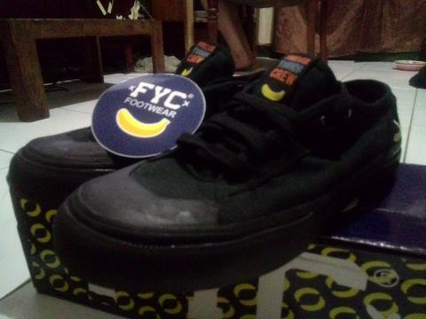 Sepatu FYC (Forever Young Crew) Lui All Black Size 41