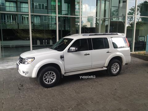 Ford All New Everest 2.5L/2012/AT/Cool White