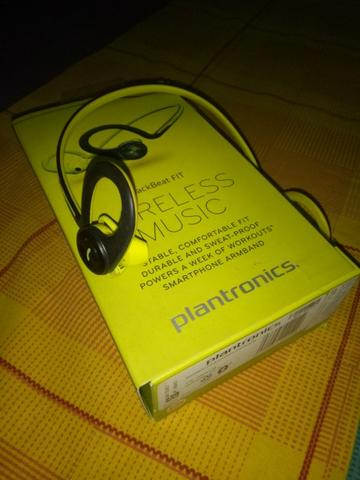 Plantronics Backbeat Fit with case