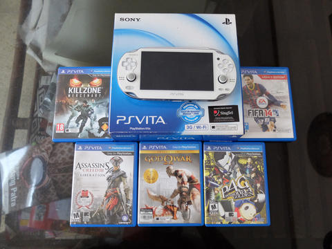 PS Vita Fat 3G / Wifi Memory 8GB Fullset Mulus + Game2 wajib punya