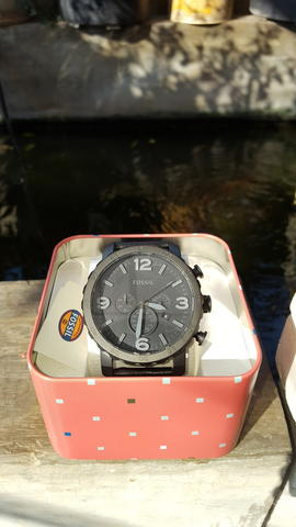 WTS : FOSSIL JR1354 LIKE NEW ( COLLECTOR ITEM )