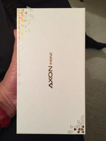 WTS Rare BNIB ZTE Axon Mini japan version