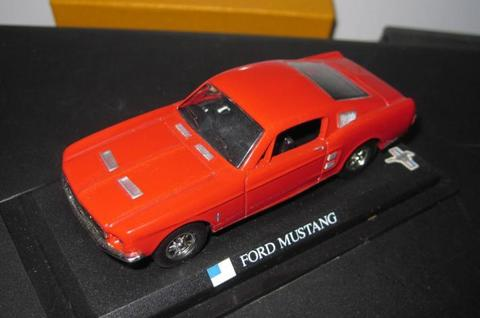 Diecast Ford Mustang Red Colour High Detail Skala 1:43