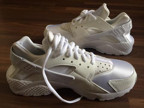 FOR SALE NIKE HUARACHE WHITE 100% ORI