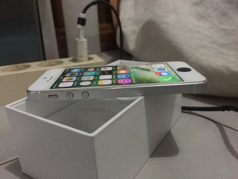 Iphone 5 64GB MIND CONDITION White Ex Singapore fullset, Jual cepat
