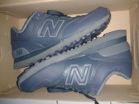 Wts sepatu new balance ML 574 classics traditionnels new size 7 us