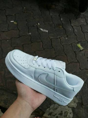 Sepatu Nike Airforce One (IMPORT)