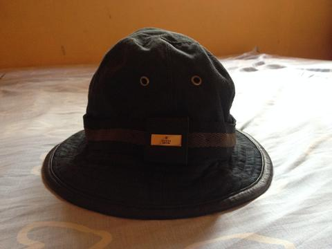 AUTHENTIC - GUCCI Black Denim Brimmed Leather Trimmed Bucket Hat
