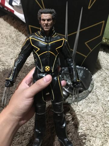 WTS HOT TOYS WOLVERINE X-MEN THE LAST STAND (BIB)