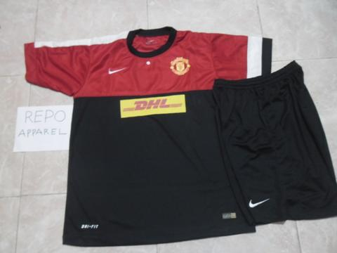 a00900a40ec Terjual manchester united training jersey
