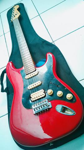 Squier fender Stratocaster Vintage ( Serial Number di Neckplate ala  1950/60's )