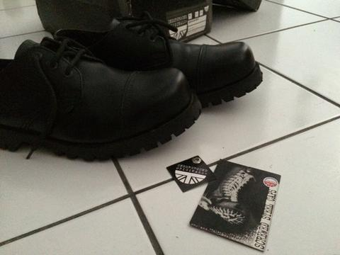 UNDERGROUND shoes BNWT sz 8 (dm, dokmar, red wings)