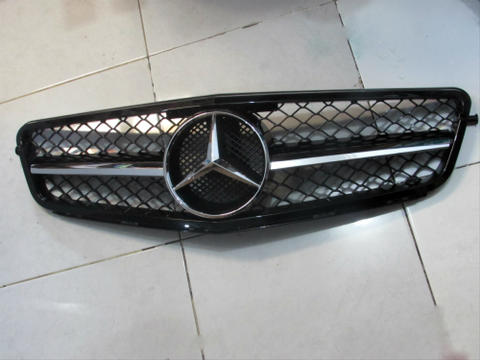 Jual Grill Depan Mercedes Benz W204 AMG Style