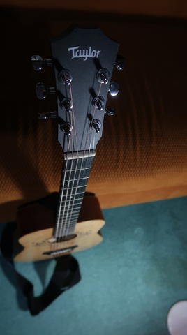 DIJUAL MINT CONDITION GITAR AKUSTIK Taylor Swift Baby Signature Series