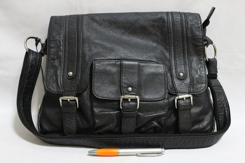 04ff46b0a1 Tas branded SEMBONIA Sling selempang messenger black leather second bekas  ori asli