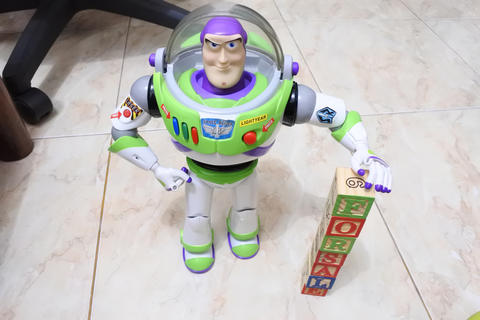 WTS Buzz Lightyear Spanish Version From Toy Story 3 RARE