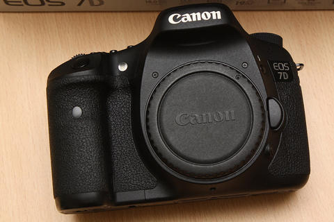 [ CAMERA GOODS ] FS Canon EOS 7D Body Only - Super Like New, SC 5K