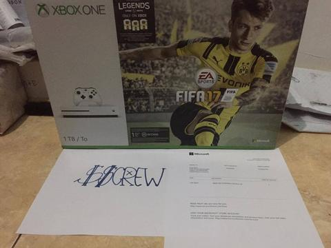 JUAL XBOX ONE S 1TB FIFA17 BUNDLE NEW BNIB SEGEL