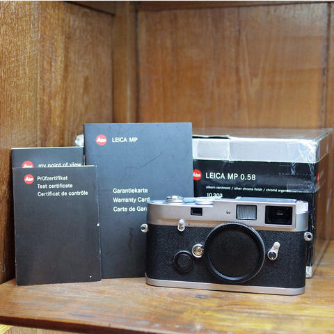 LEICA MP Silver (0.58) Body Only Kondisi LIKE NEW !!