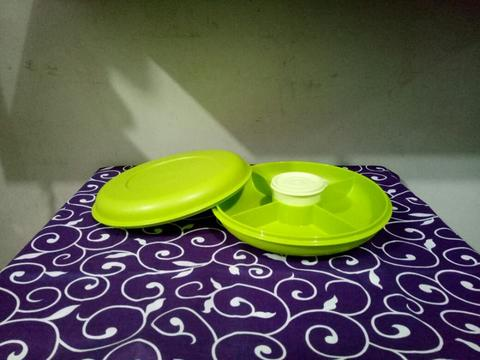 Small Serving Center Tupperware