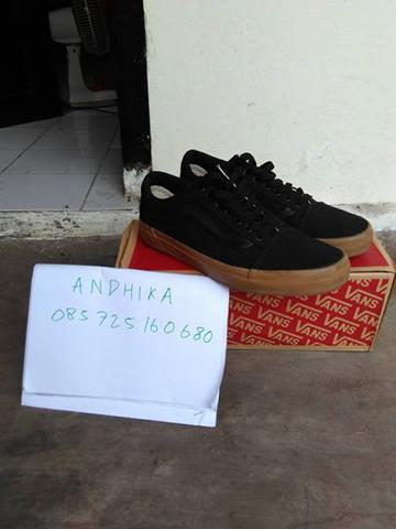VANS OS Black Gum Canvas
