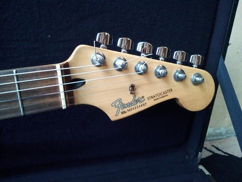 Guitar Fender Stratocaster Made in : Mexico