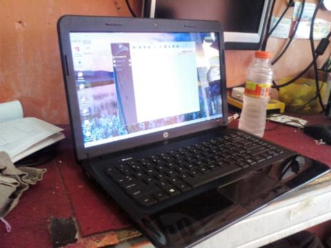 laptop gamming core i5. merk hp 1000