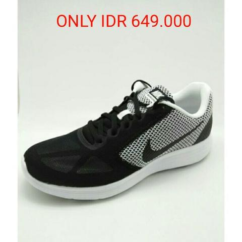 Sepatu running NIKE revolution 3 black white original murah