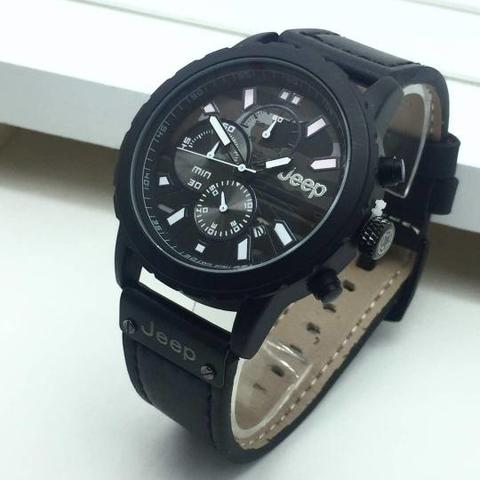 JAM TANGAN PRIA JEEP CHRONO LEATHER.