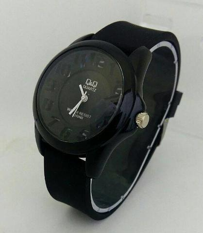 JAM TANGAN QQ JARUM RUBBER ANGKA BLACK