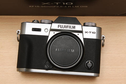 [ CAMERA GOODS ] FS Fujifilm X-T10 Silver Body Only - Super Mint Condition. Full Set