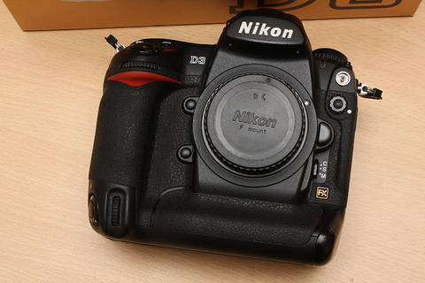 [ CAMERA GOODS ] FS Nikon D3 Body Only - Excellent Condition. Full Set