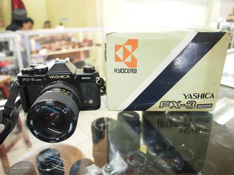 [deCamera] Kamera YASHICA FX-3 super 2000 + YASHICA MC 35-70mm F3.5-4.8 mint
