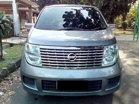Nissan ELGRAND HWS AT th2005 Smoke Silver Sunroof double