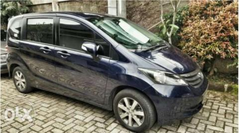 Jual Honda Freed PSD 2011 biru metalik