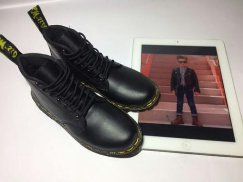 black boots, size 31-35