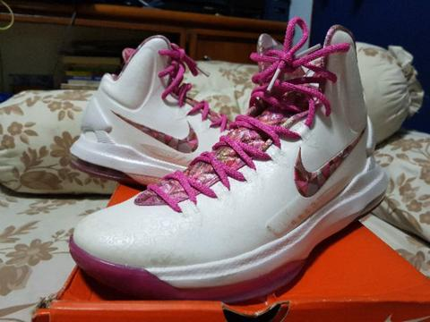 Nike Kevin Durant V Aunt Pearl sz 10.5 (44.5) VNDS