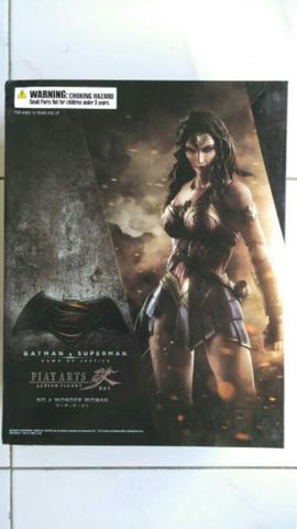 Playarts Kai Wonder Woman BVS : Dawn Of Justice