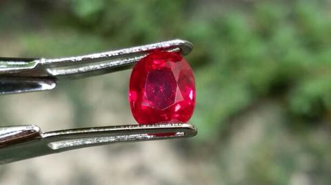 Natural RARE HQ Vivid Pigeon Blood Red Ruby Burma Mong Hsu type nearly loupe clean