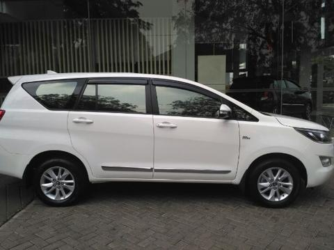 Khusus Minggu Ini,Pesan Innova G Manual Luxury Putih Free Antikarat Full Body + Salon