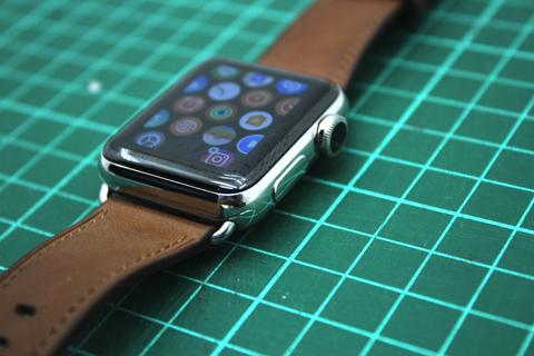 ​Apple Watch Series 2 Stainless Steel 38mm Saddle Brown Classic Buckle